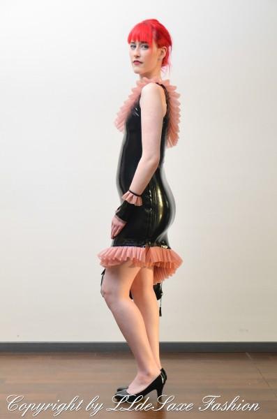 Kleid mit Doppelrüschen Volant