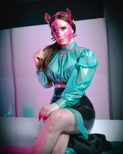 Madame-Alaska-LLdeSaxe-Fashion-7